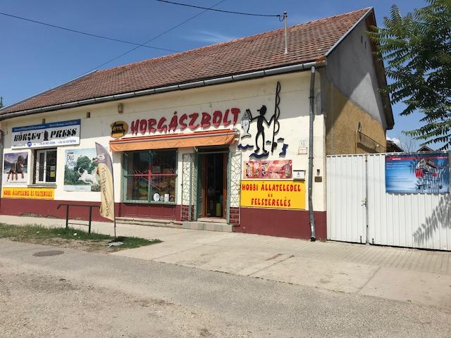 Eladó üzlethelyiség Lajosmizse, Dózsa Gy. úton